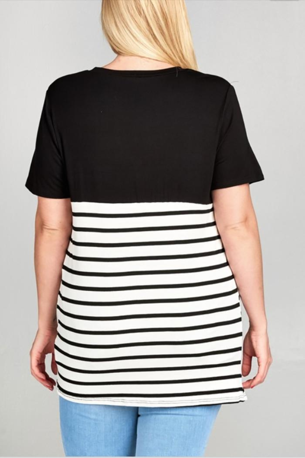 UMG PLUS Side Knotted Top - Front Full Image