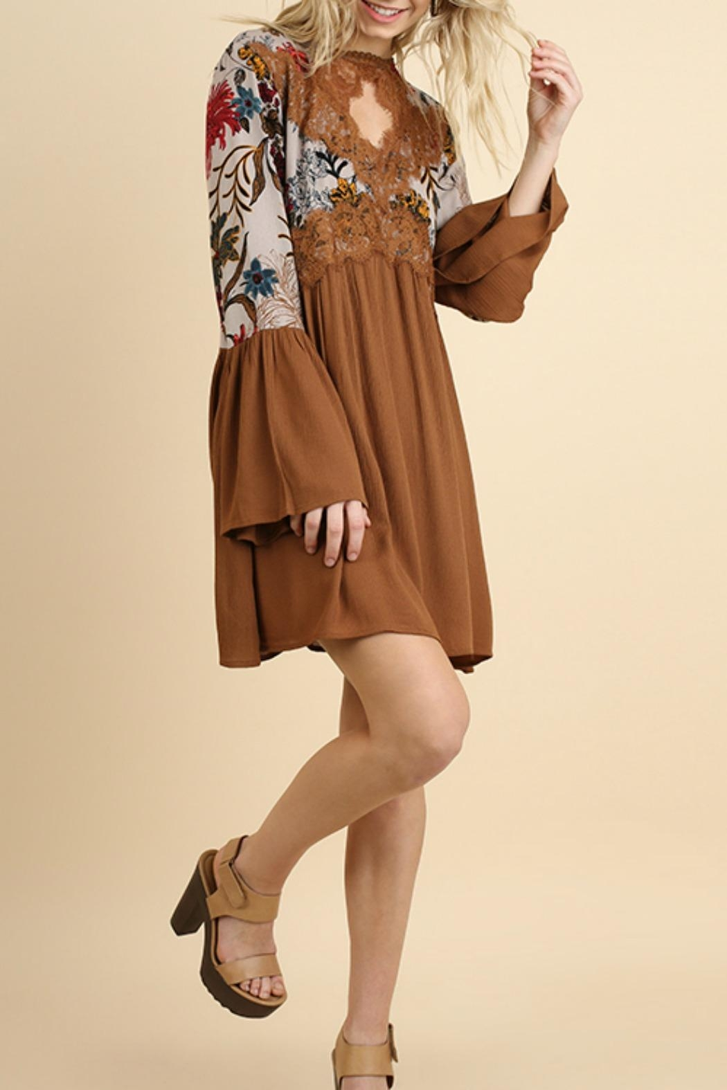 Umgee USA Floral Bell Sleeve - Side Cropped Image