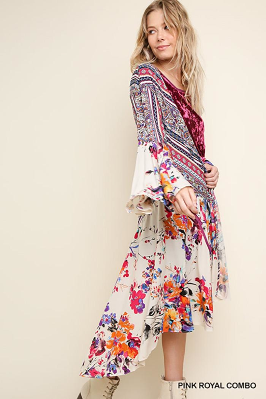 Umgee USA Floral Bell Sleeve With High Low Hem Kimono - Side Cropped Image