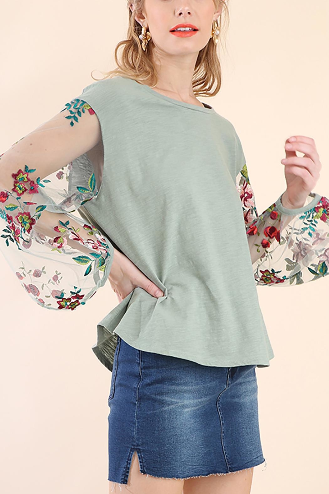 Umgee USA Floral Puff Sleeve - Front Cropped Image