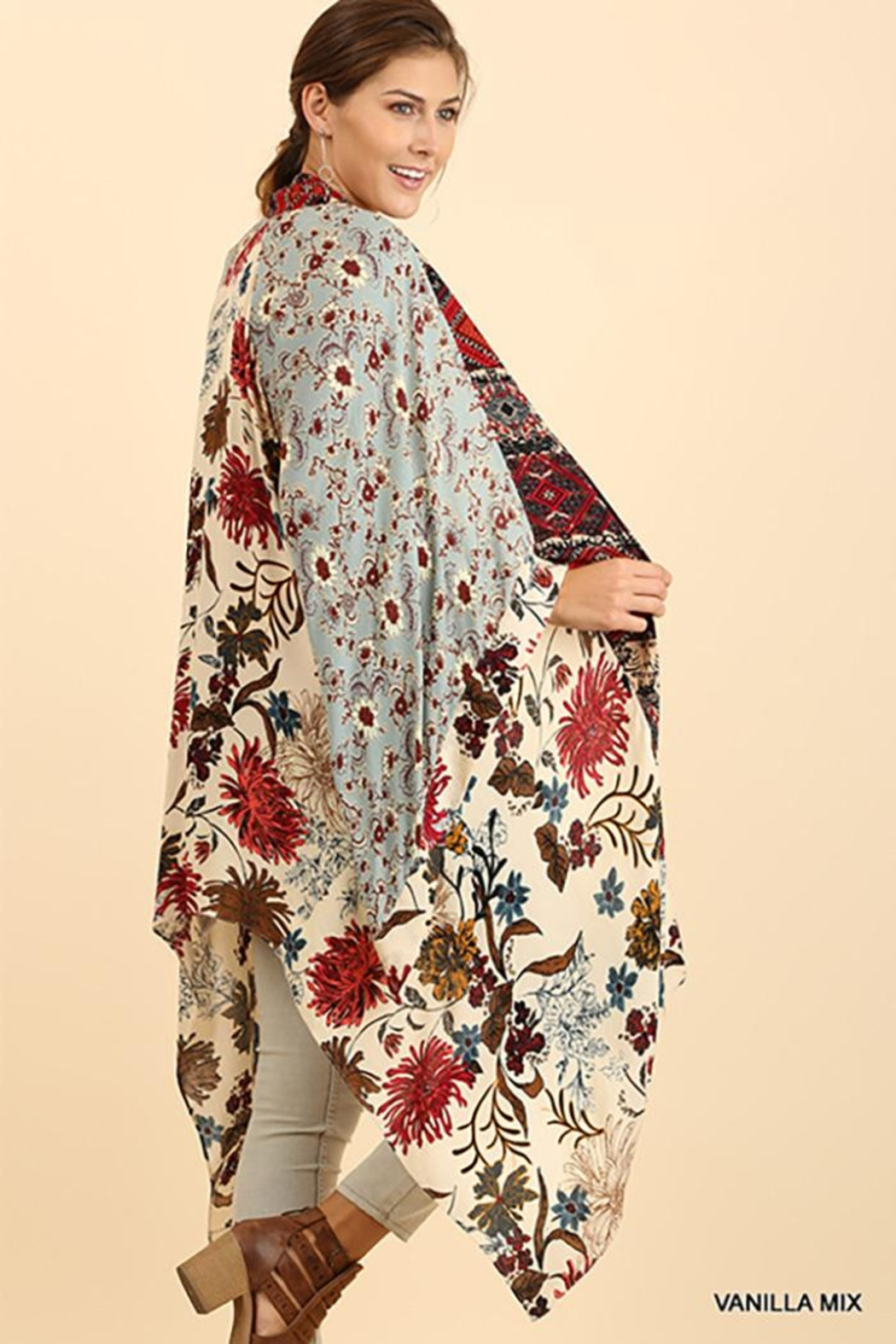 Umgee USA Long Body Kimono Floral Print Design - Side Cropped Image