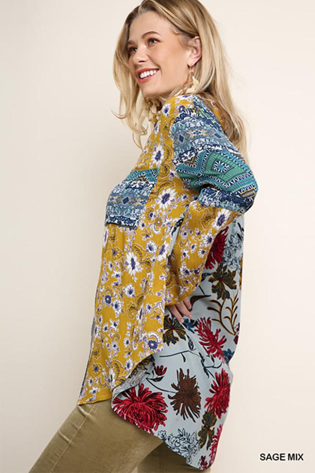 Umgee USA Paisley Print Long Puff Sleeve Button Up - Side Cropped Image