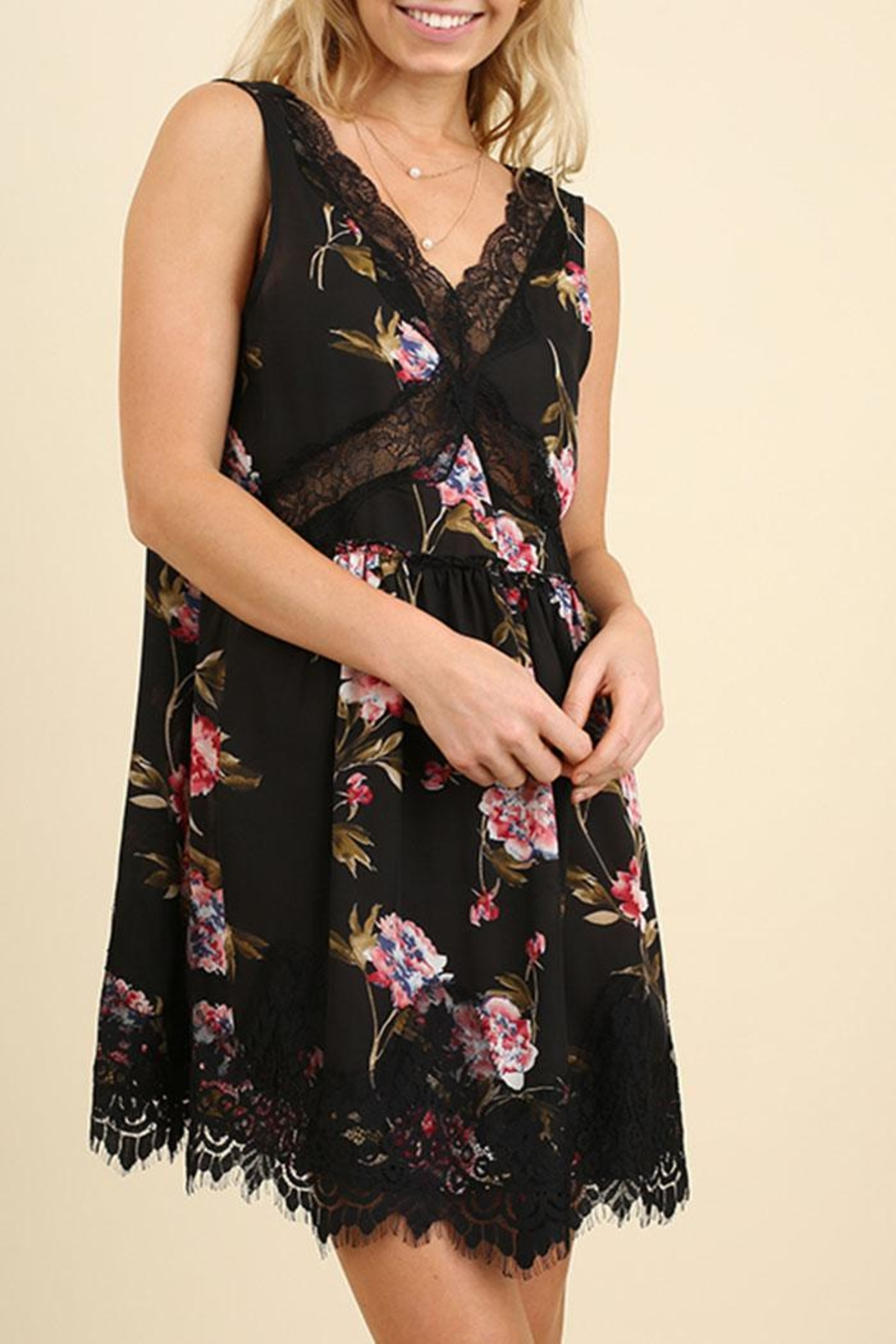 Umgee USA Sleeveless Floral Dress - Front Cropped Image