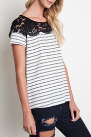 Umgee USA The Rosie Shirt - Front full body