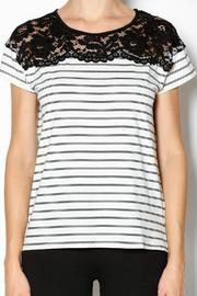 Umgee USA The Rosie Shirt - Front cropped