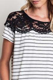 Umgee USA The Rosie Shirt - Side cropped