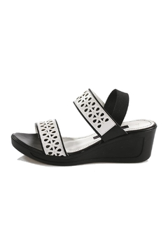 Unbranded Black & White Sandals - Product List Image