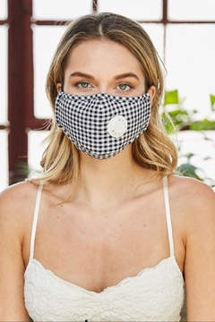 Unbranded Checkerd Vented Mask - Alternate List Image
