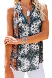 Unbranded Printed Sleeveless Blouse - Front cropped