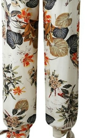 Unknown Factory Floral Print Jumpsuit - Side cropped