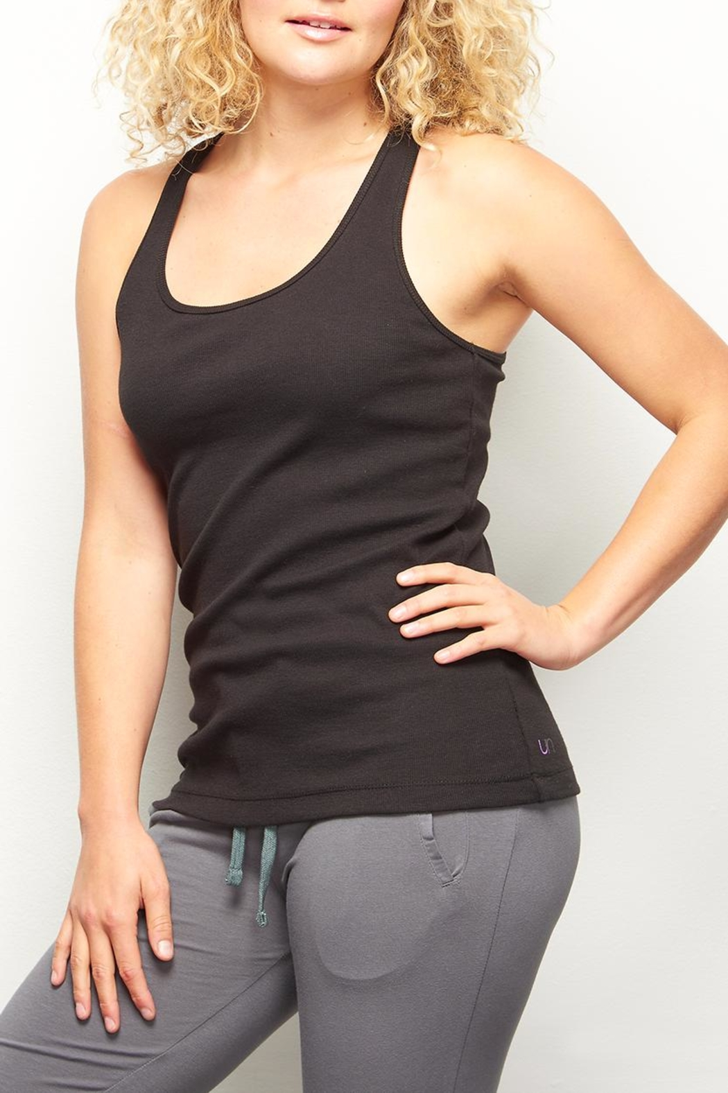 UNOA Cassie tank black - Front Cropped Image