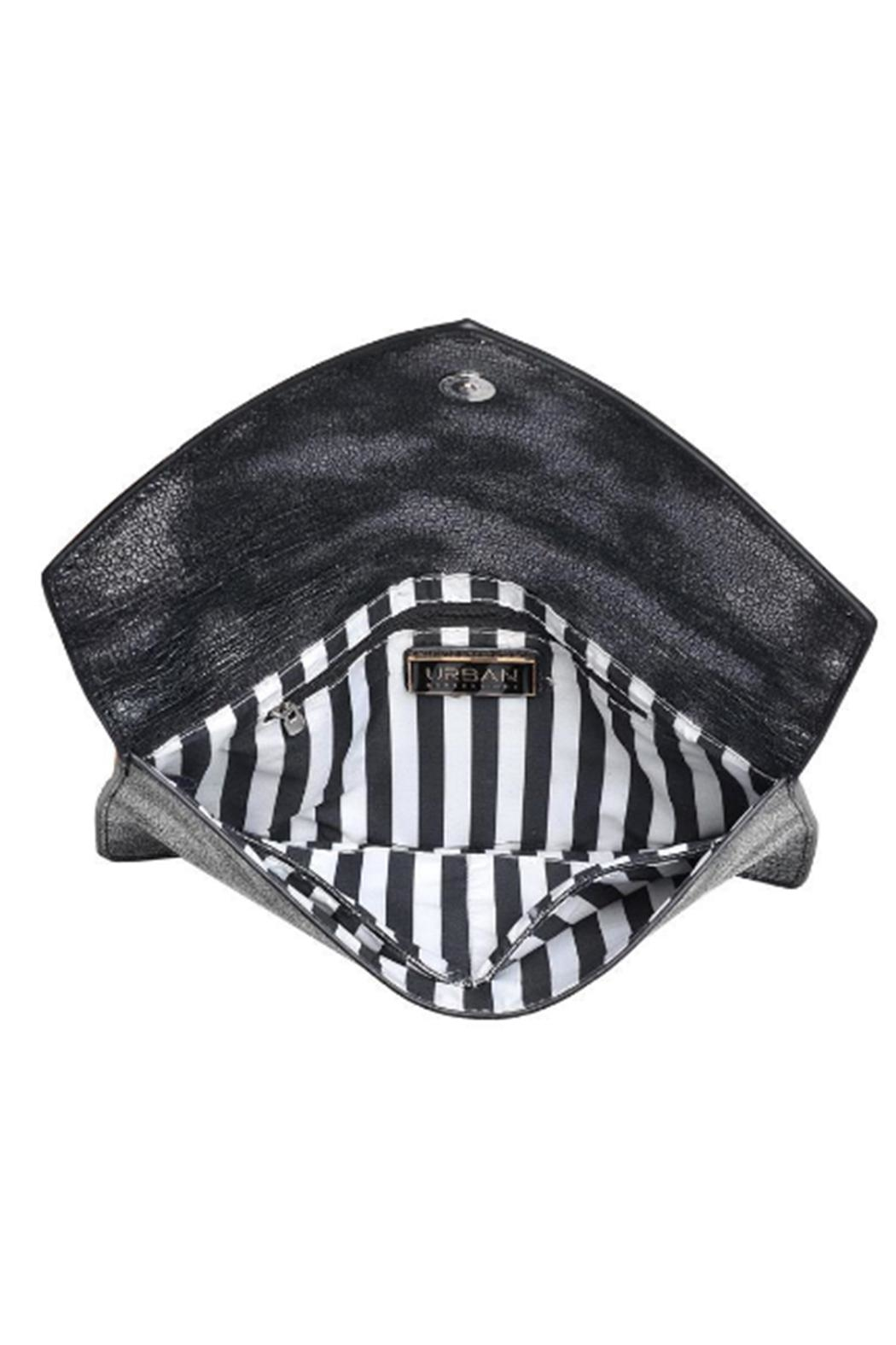 Urban Expressions Diva Metallic Clutch - Back Cropped Image