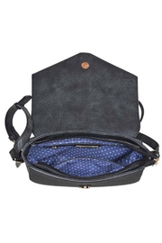 Urban Expressions Henderson Saddle - Front full body