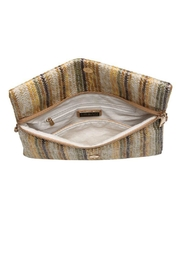 Urban Expressions Maui Clutch - Side cropped