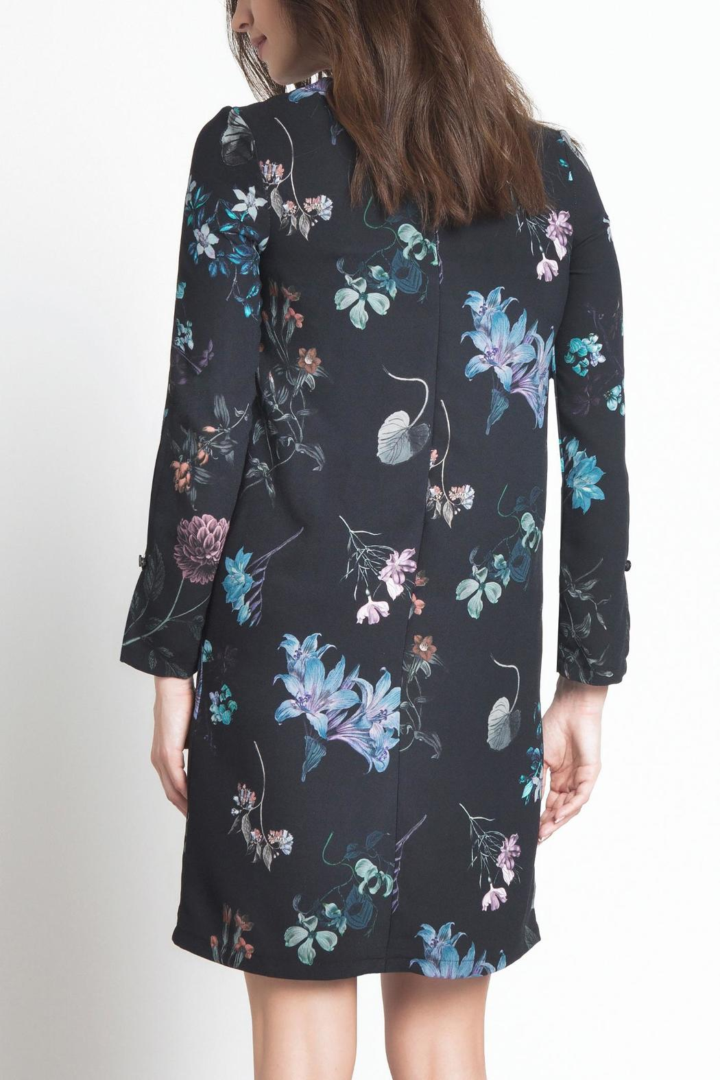 Urban Touch Floral Shift Dress - Side Cropped Image