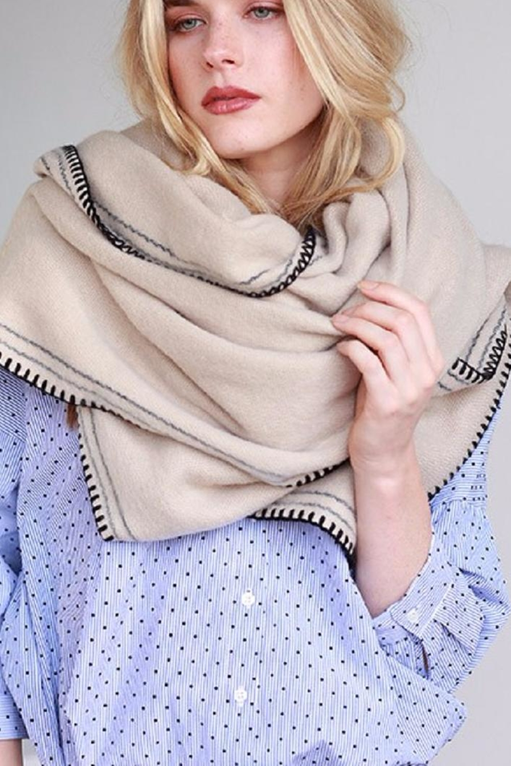 Urbanista Soft Comfy Scarf - Front Cropped Image