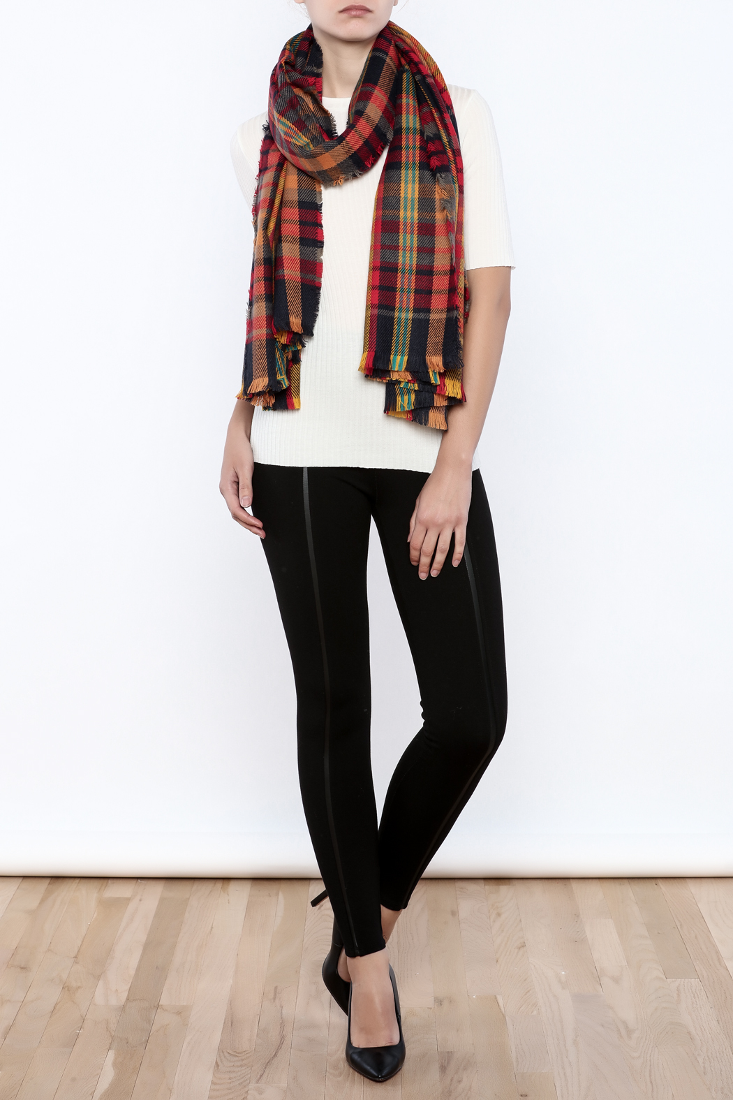 Urbanista The Laura Blanket Scarf - Front Cropped Image