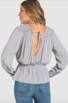 Bella Dahl V Back Tie Blouse - Alternate List Image