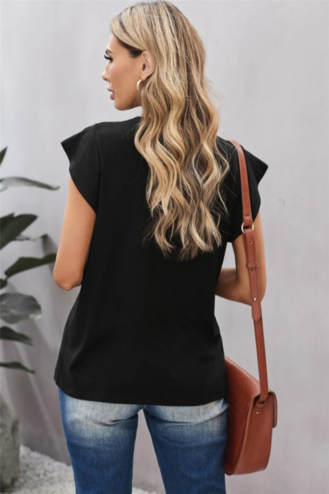 Shewin V Neck Lace Trim Short Sleeve Tee - Side Cropped Image