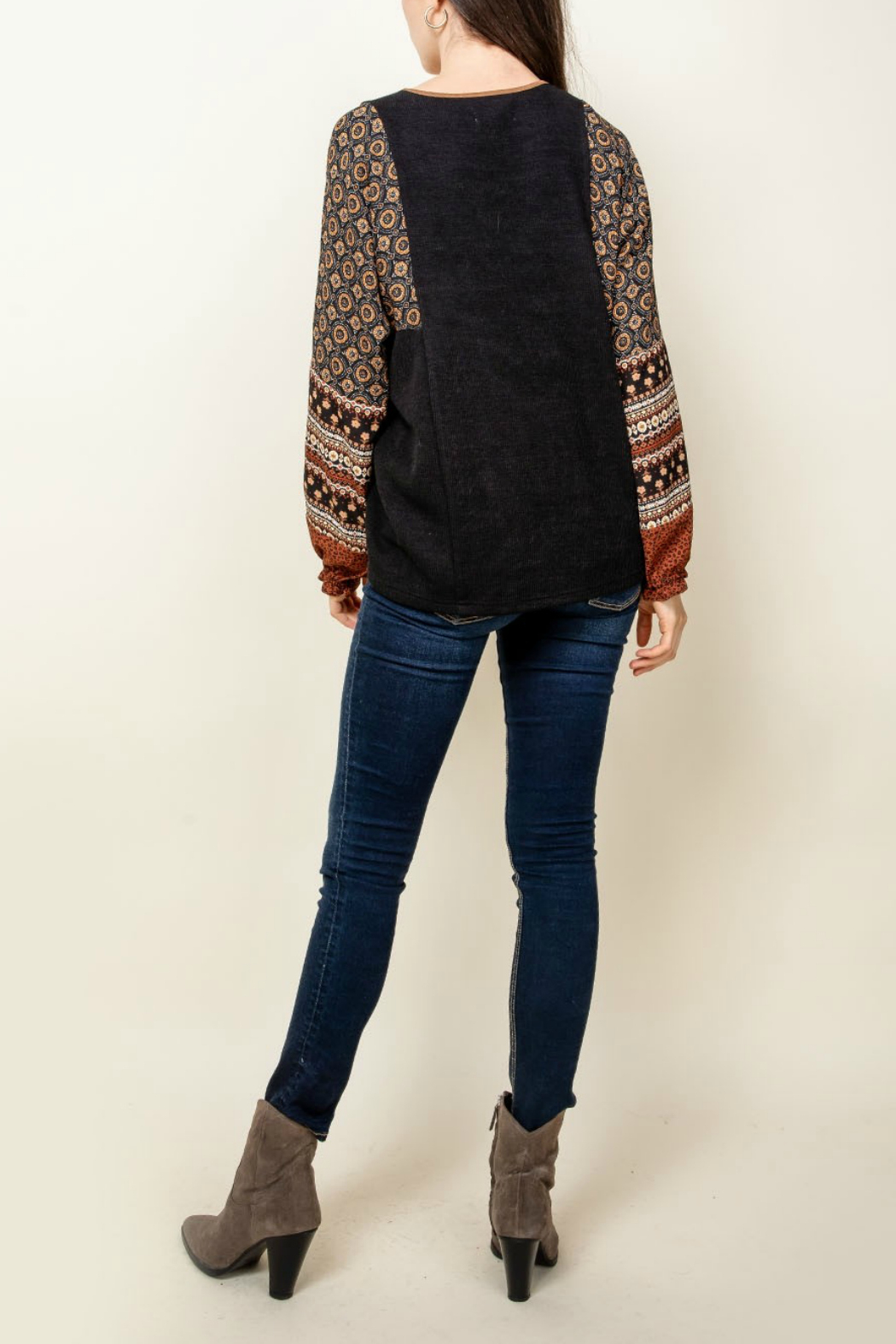 Thml V-Neck Print Sleeve Top - Front Full Image