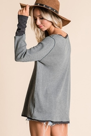 Ces Femme V Neck Raw Edge Casual Toip - Side cropped