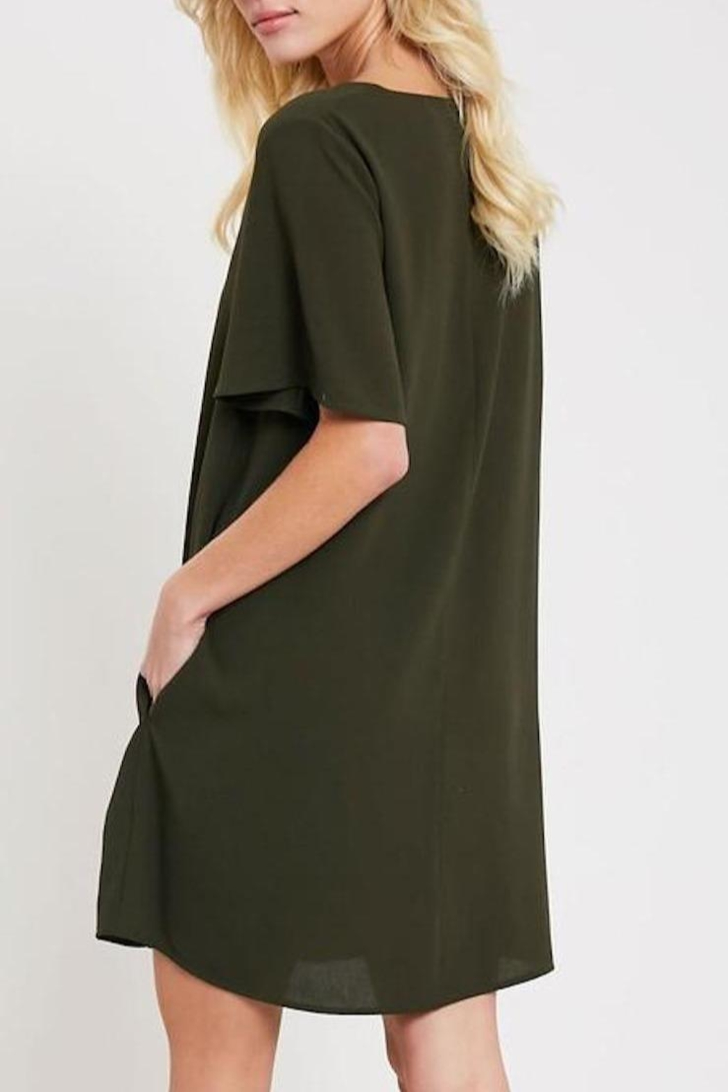 Wishlist V-Neck Shift Dress - Side Cropped Image