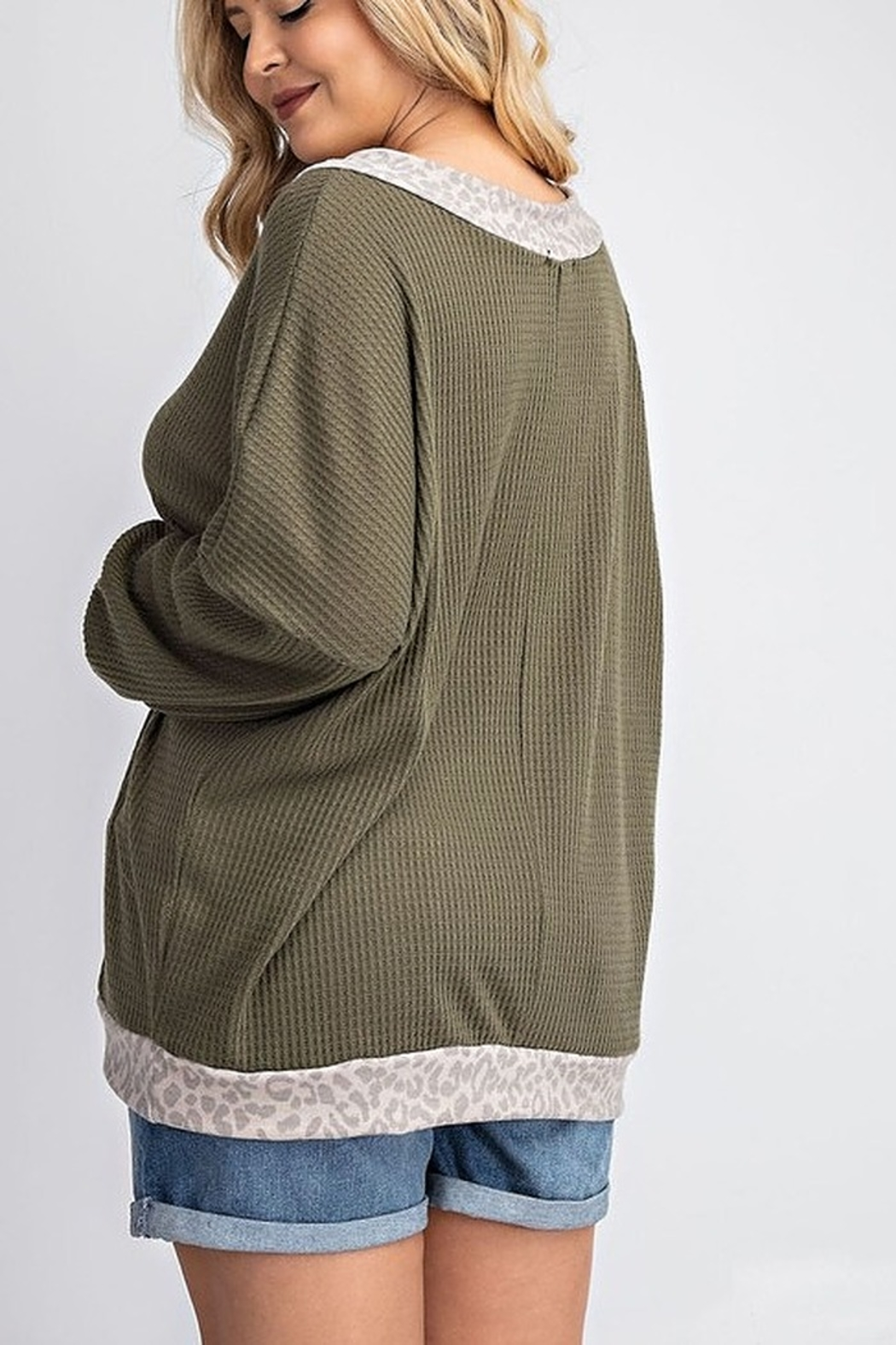 143 Story V NECK SLOUCHY WAFFLE KNIT TOP - Side Cropped Image