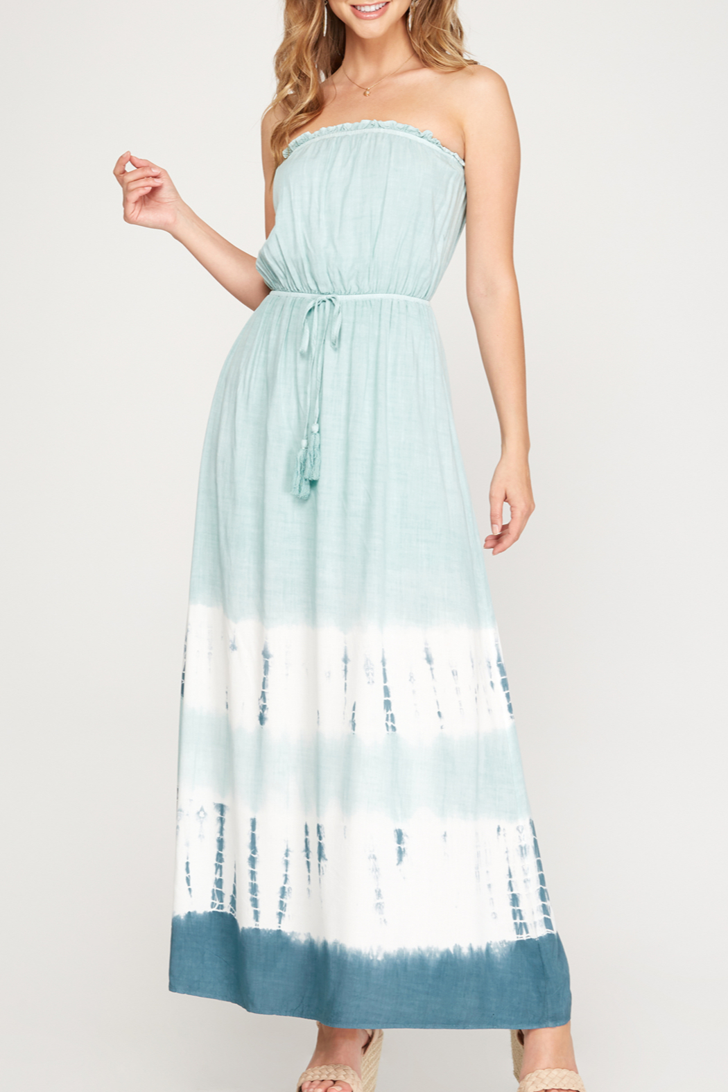 She and Sky Vacay Vibes Maxi dress - Front Cropped Image