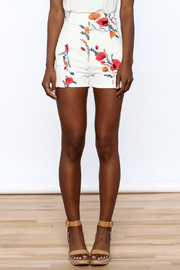 Valentine White Floral Shorts - Side cropped