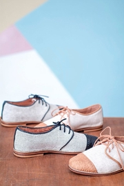Valeria Nicali Tero Oxford - Front cropped