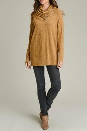 vanilla bay Button-Detail Tunic Top - Back cropped
