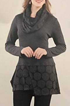 Variations  Tunic With Scarf - Alternate List Image