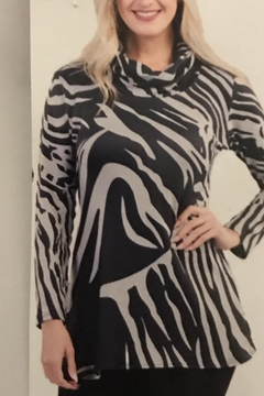 Variations  Zebra Print Tunic - Product List Image