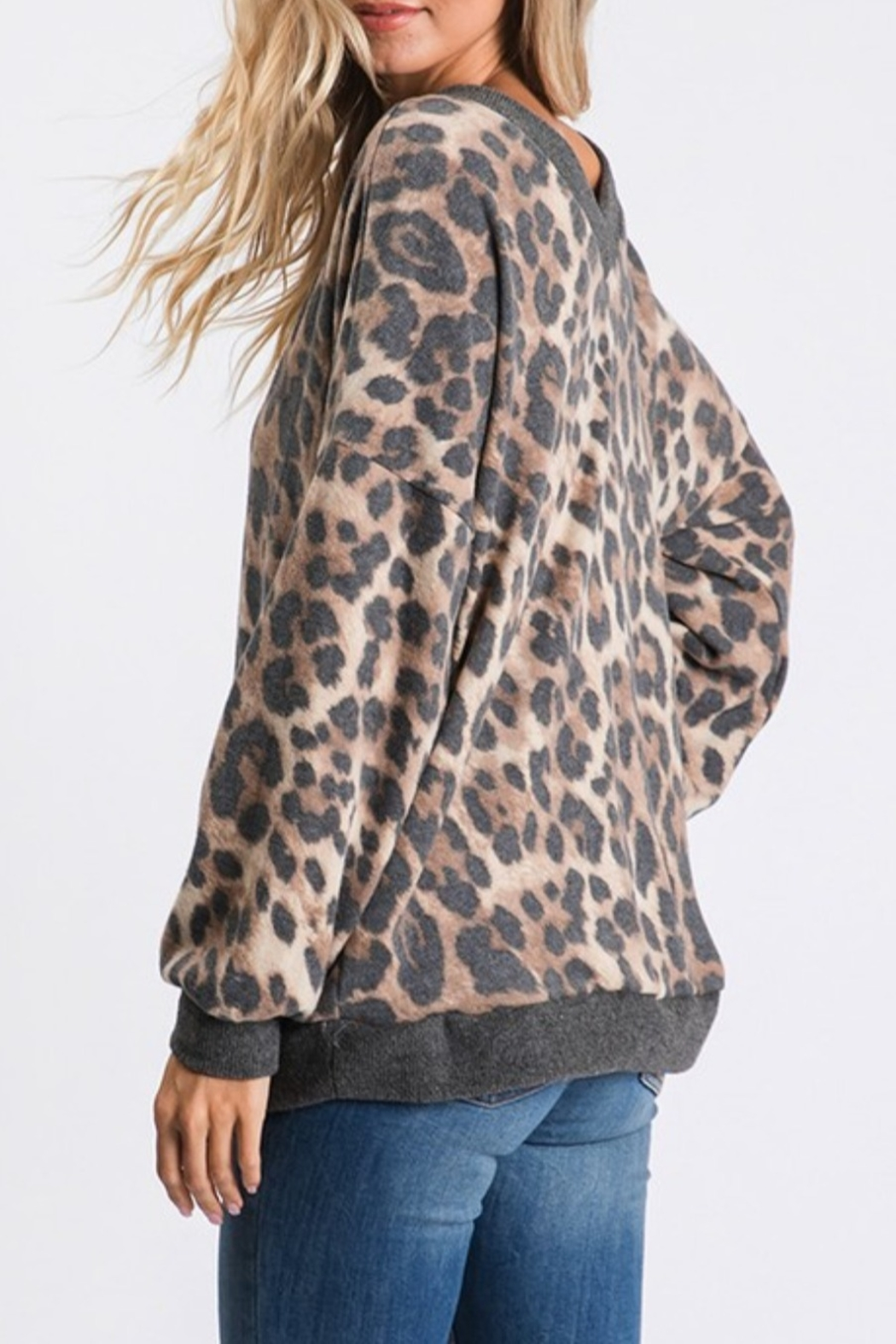 CY Fashion Vee Neck Leopard - Main Image