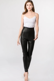On Twelfth Vegan leather leggings - Front cropped