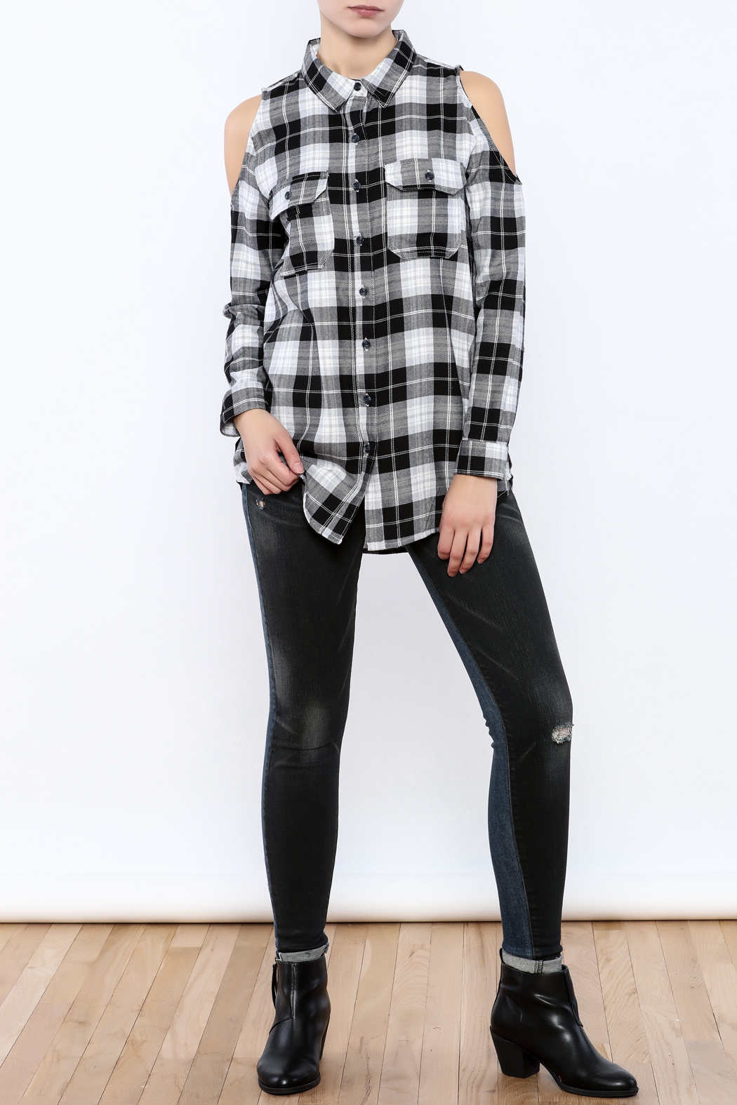 Velvet Heart Finely Cold Shoulder Plaid Top - Front Full Image