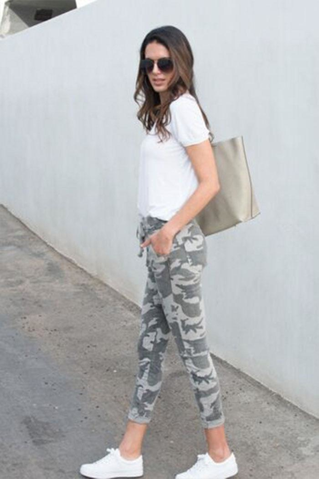 Venti 6 Crinkle Camo Pants - Side Cropped Image