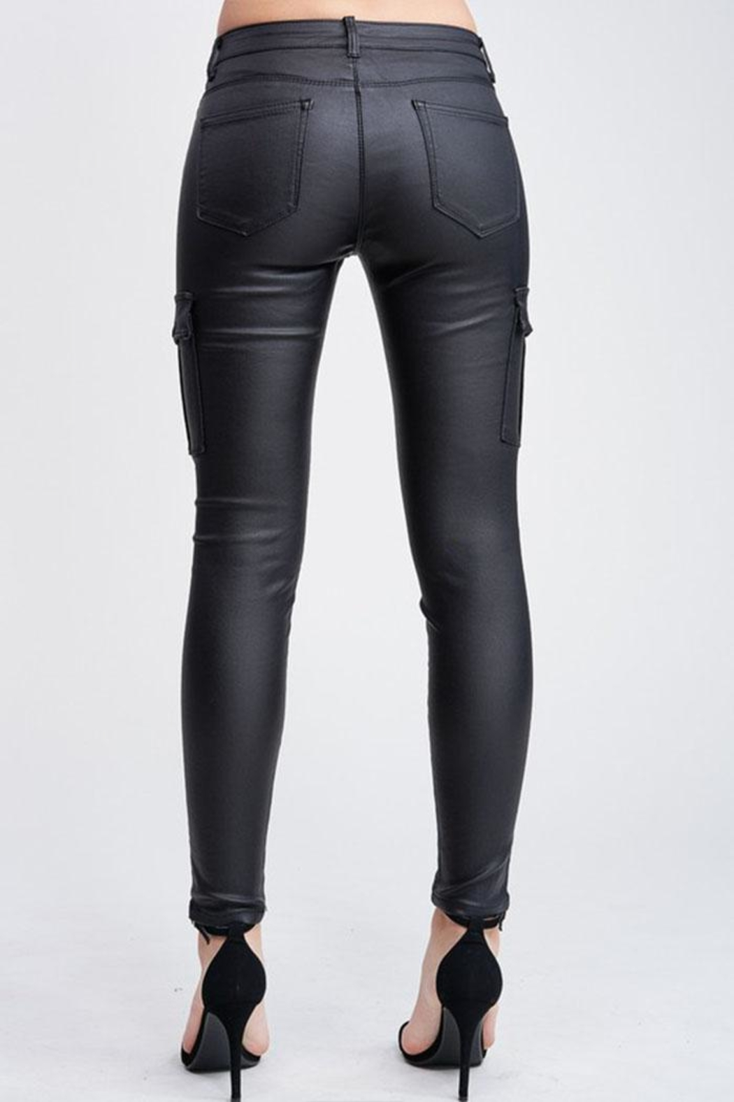 Venti 6 Leather Cargo Pants - Back Cropped Image