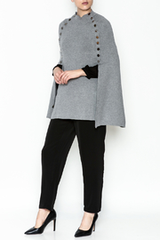 Veond Prussian Sweater Cape - Side cropped
