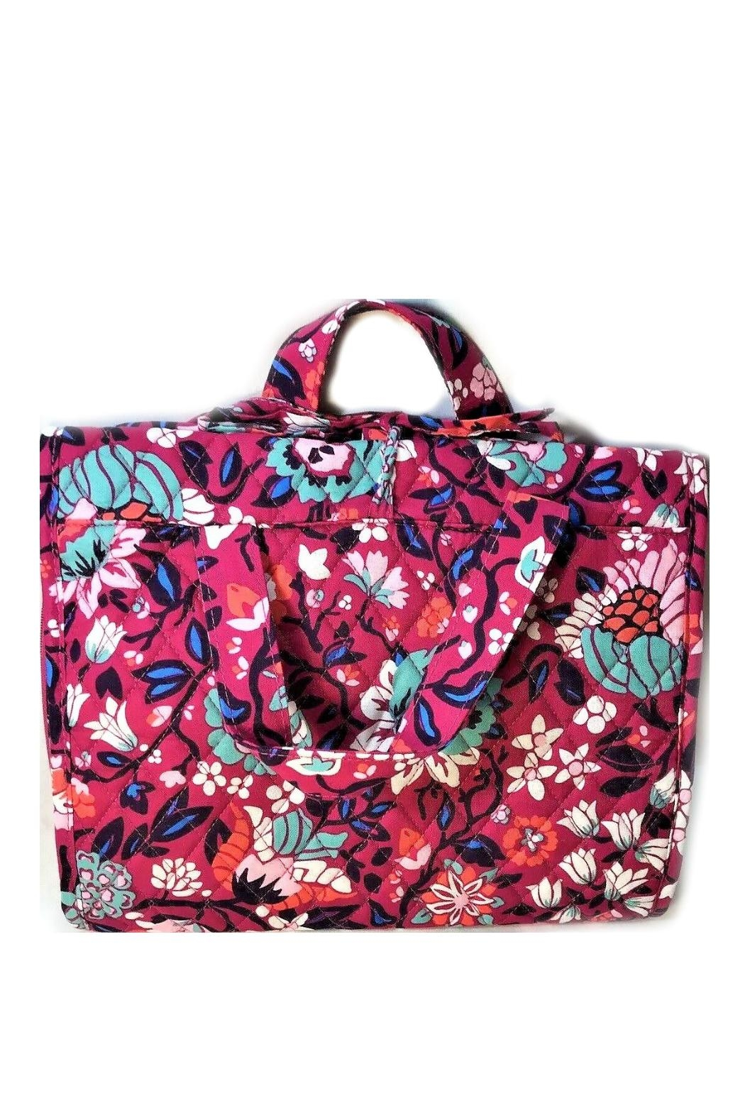 Vera Bradley Bloom Berry Travel-Organizer - Front Cropped Image