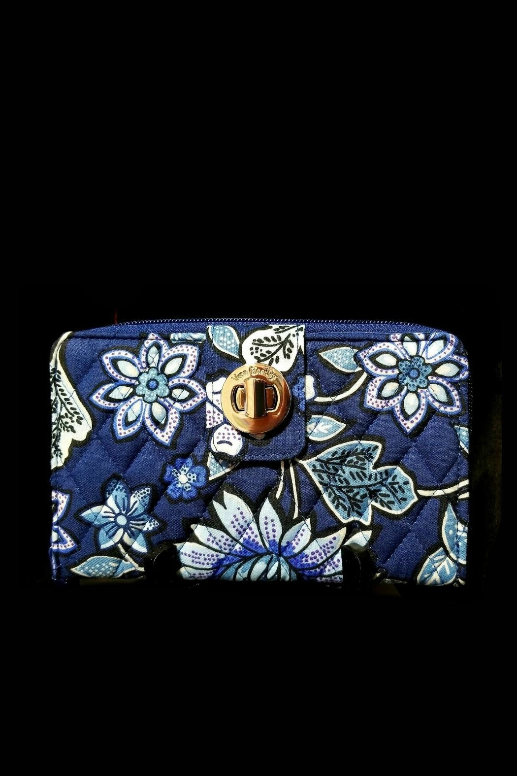 Vera Bradley Tropics Tapestry Turnlock - Front Cropped Image
