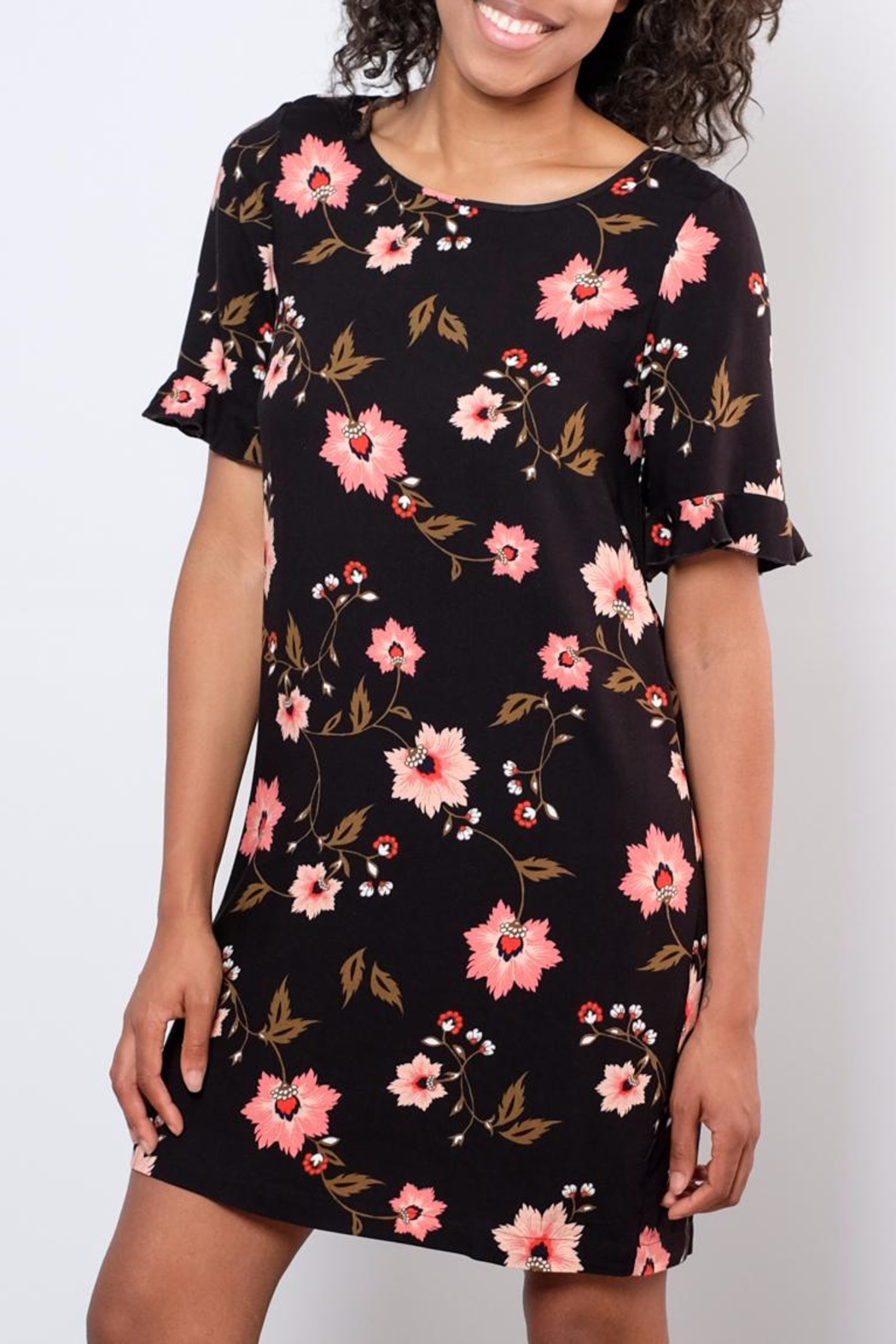 Vero Moda Floral Shift Dress - Front Cropped Image
