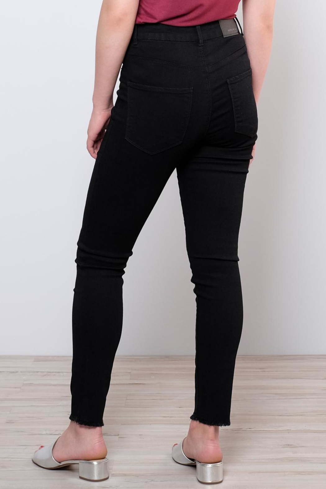 Vero Moda Raw Ankle Jeans - Back Cropped Image