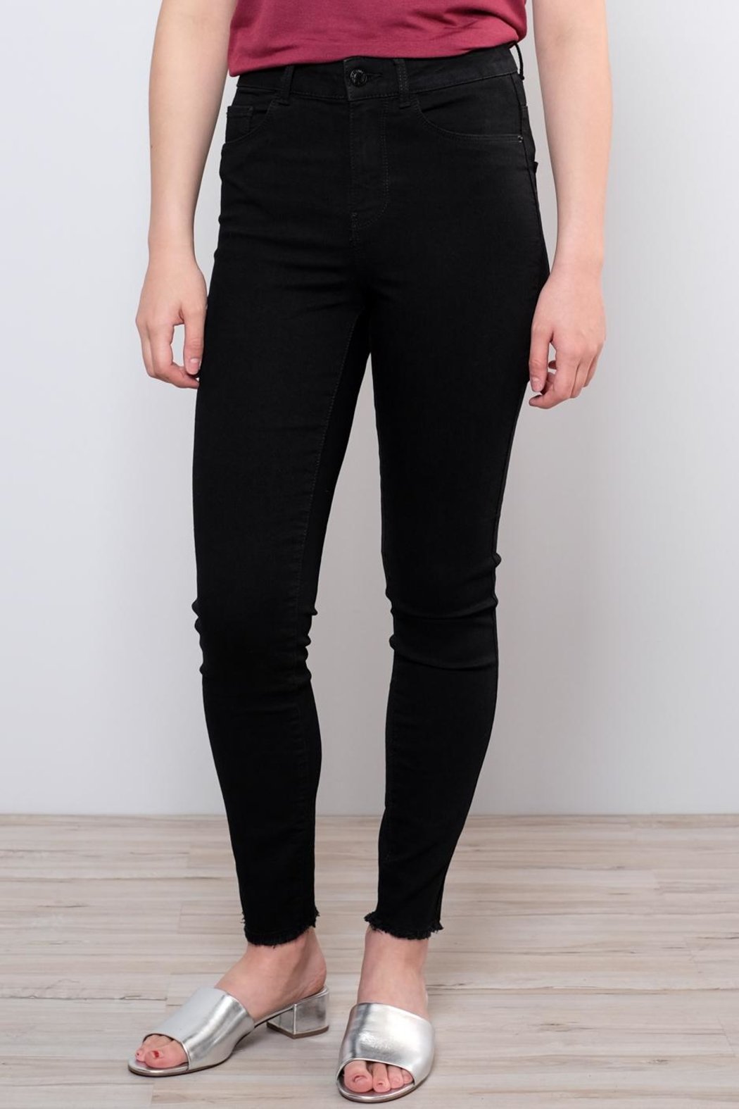 Vero Moda Raw Ankle Jeans - Front Full Image