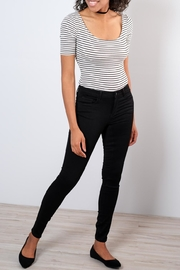 Vero Moda Shape-Up Skinny Jeans - Front cropped