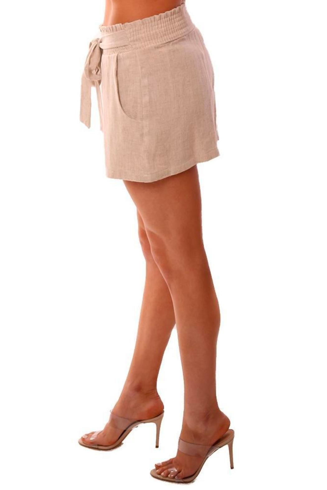 Veronica M Smocked Linen Shorts - Side Cropped Image