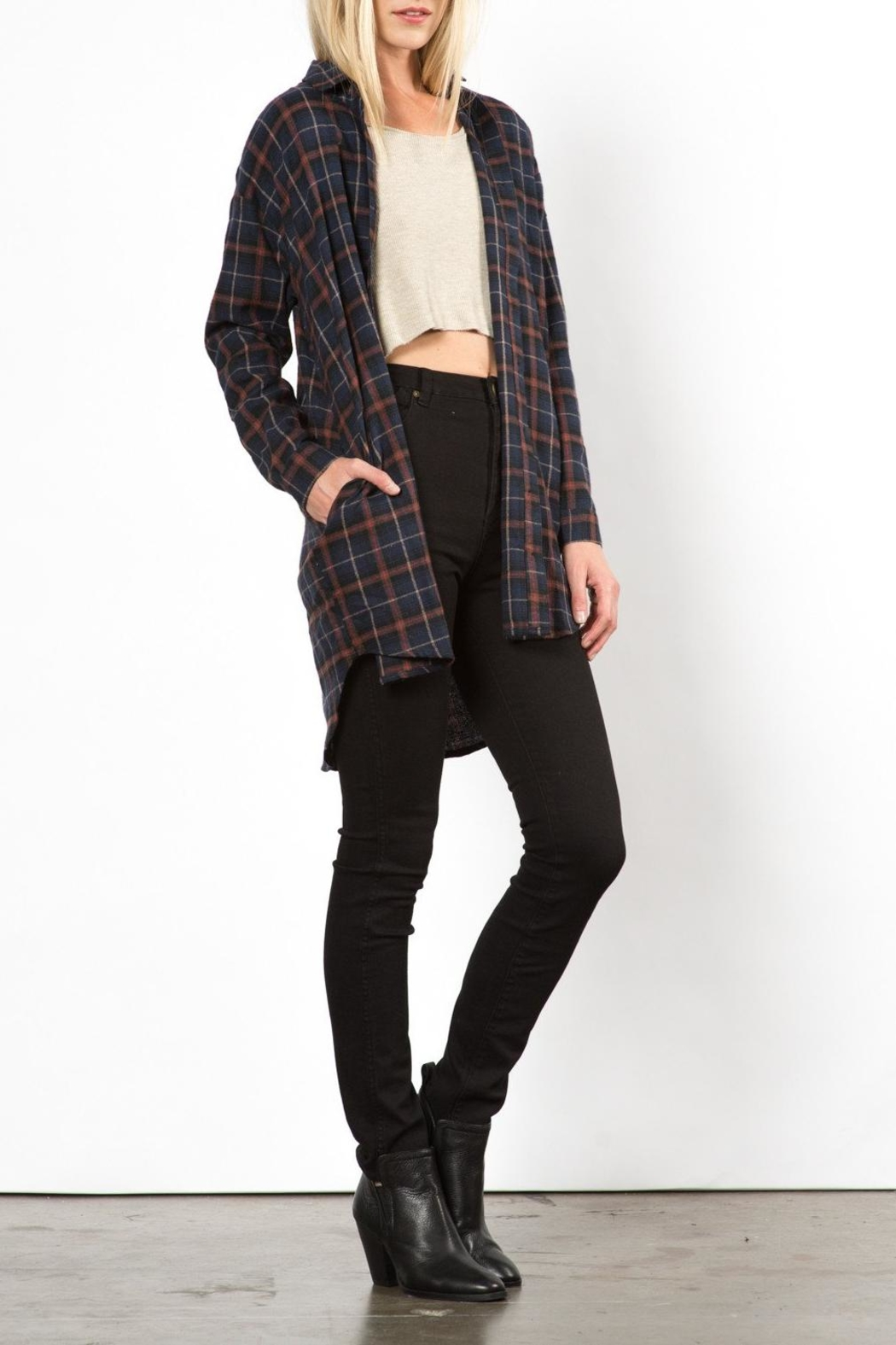 Very J Phoenix Plaid Top - Side Cropped Image