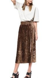 Very J Velvet Pleated Skirt - Front cropped