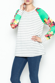 veveret Flower Power Stripes - Front cropped