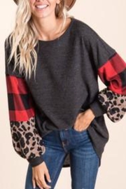 Viamor Animal/checkered Sleeve Top - Front cropped